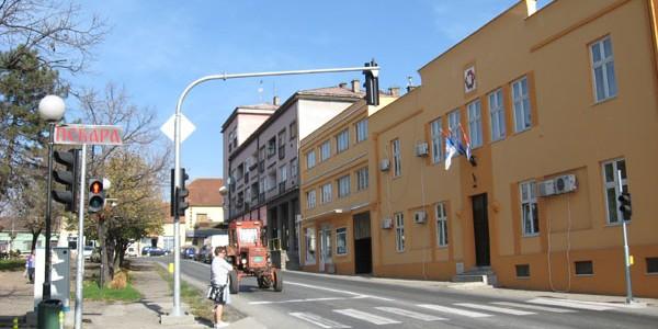 Opština Irig i firma Eko metal iz Vrdnika sproveli su uspesnu ekološku akciju prikupljanja električnog otpada. Na tri lokacije u iriškoj opstini prikupljeno je 6 tona starih električnih aparata, šporeta, […]