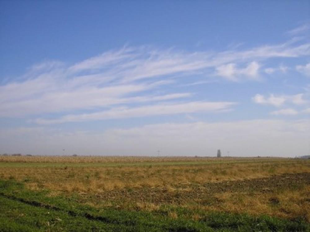 """Jesenji radovi na sremskim poljima bliže se kraju. O tome u rubrici Zlatka Markovinovića.[jwplayer mediaid=""""2475″]"""
