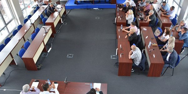 Održana je 29. sednica SO Inđija na kojoj se razmatralo o 38 tačaka. Odbornici koji su prisustvovali zasedanju lokalnog parlamenta izjasnili su se pozitivno po pitanju istih a većina tačaka […]