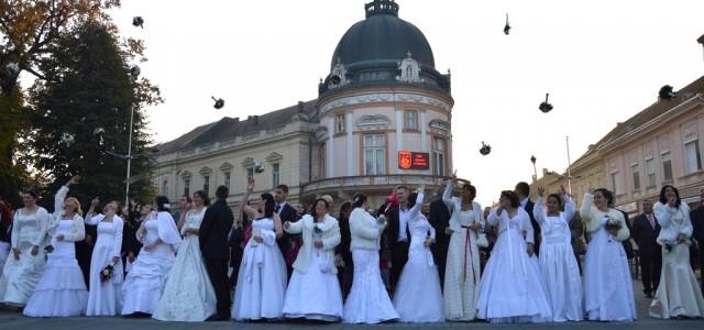 Grad Sremska Mitrovica i ove godine organizuje kolektivno venčanje, koje će biti održano 12. novembra u Gradskoj kući u 13 časova. Nakon ceremonije venčanja, a ukoliko vremenski uslovi dozvole, mladenci […]
