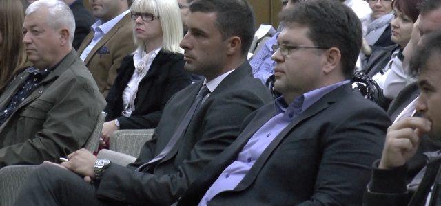 Novi gradonačelnik Sremske Mitrovioce je Vladimir Sanader , odlučeno je na današnjoj sednici Skupštine grada. Opširnije u prilogu.