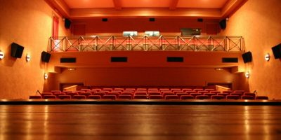 U nedelju, 20. novembra Kulturni centar u Inđiji organizuje audiciju za školu glume koju vodi diplomirani glumac Aleksandar Milković. Audicija počinje u 11 časova. Pravo učešća imaju učenici svih srednjih […]