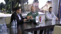 """Danas je u Sremskoj Mitrovici potpisan ugovor o saradnji na projektu """"Srbija u Ritmu Evrope"""" koji Mitrovčanima omogućuje učešće na ovom muzičkom takmičenju. Ugovor su potpisali gradonačelnik Sremske Mitrovice Vladimir […]"""