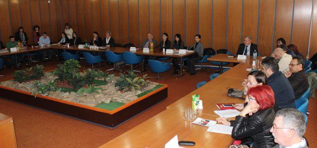 Sremska Mitrovica – Kancelarija za mlade Grada Sremska Mitrovica, u saradnji sa predstavnicima FAKT-a , organizovala je skup na kojem su predstavljeni primeri uspešnog dijaloga između srednjih stručnih škola i […]