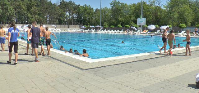 Ovog leta na rumskom bazenu se realizuje projekat čiji je nosilac Centar za socijalni rad Opštine Ruma, a koji treba da privuče decu sportskim aktivnostima. Podršku daje Opštinska uprava Opštine […]