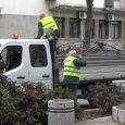"""Radnici JKP """"Komunalije"""" Sremska Mitrovica ovih dana počeli su radove na prolećnom uređenju grada. Završeno je orezivanje stabala u Ulici Svetog Dimitrija, a sledi i sadnja cveća i drveća na […]"""