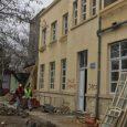 Krajem februara započeta je rekonstrukcija zgrade Železničke stanice u Sremskoj Mitrovici. Radove finaninsira JP Infrastruktura Železnice Srbije, a železničku stanicu obišli su mitrovački gradonačelnik Vladimir Sanader, kao i predstavnici Železnice […]