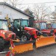"""Zimska služba JKP """"Komunalije"""" je u potpunosti opremljena za sezonu, tokom koje će dežurati 24 sata. Мehanizacija se sastoji od 6 traktora sa ralicama, 2 mala i 1 velikog razbacivača […]"""
