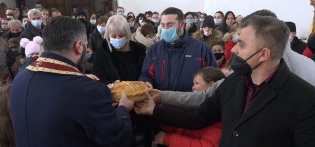 Školska slava Sveti Sava, ove godine, proslavljena je skromnije nego prethodnih godina. Izostale su svečane Svetosavske akademije i priredbe posvećene prvom srpskom arhiepiskopu i prosvetitelju, ali su uz poštovanje protivepidemioloških […]